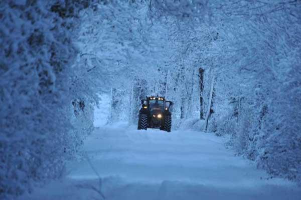Farmers slam 'calendar farming' as winter weather puts slurry spreading on hold